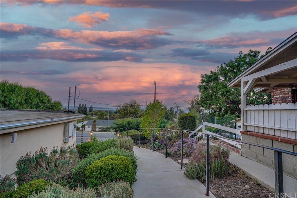 Photo of 17843 Rinaldi Street, Granada Hills, CA 91344 (MLS # SR21147490)