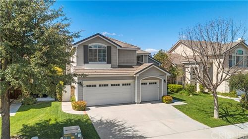 Photo of 27437 Bridgewater Drive, Valencia, CA 91354 (MLS # SR20063492)