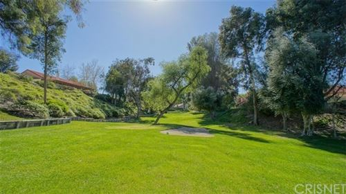 Tiny photo for 26807 Oak Branch Circle, Newhall, CA 91321 (MLS # SR20009493)