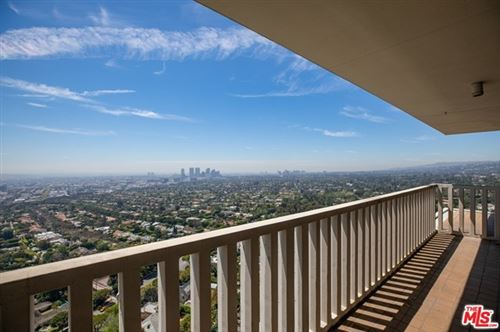 Photo of 9255 DOHENY Road #2702, Los Angeles, CA 90069 (MLS # 20551494)