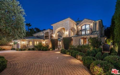 Photo of 14060 Valley Vista Boulevard, Sherman Oaks, CA 91423 (MLS # 21707494)