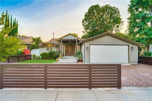 Photo of 5311 Babcock Avenue, Valley Village, CA 91607 (MLS # SR20113494)