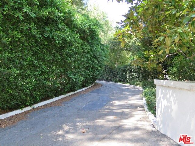 Photo for 1195 TOWER GROVE Drive, Beverly Hills, CA 90210 (MLS # 19486494)