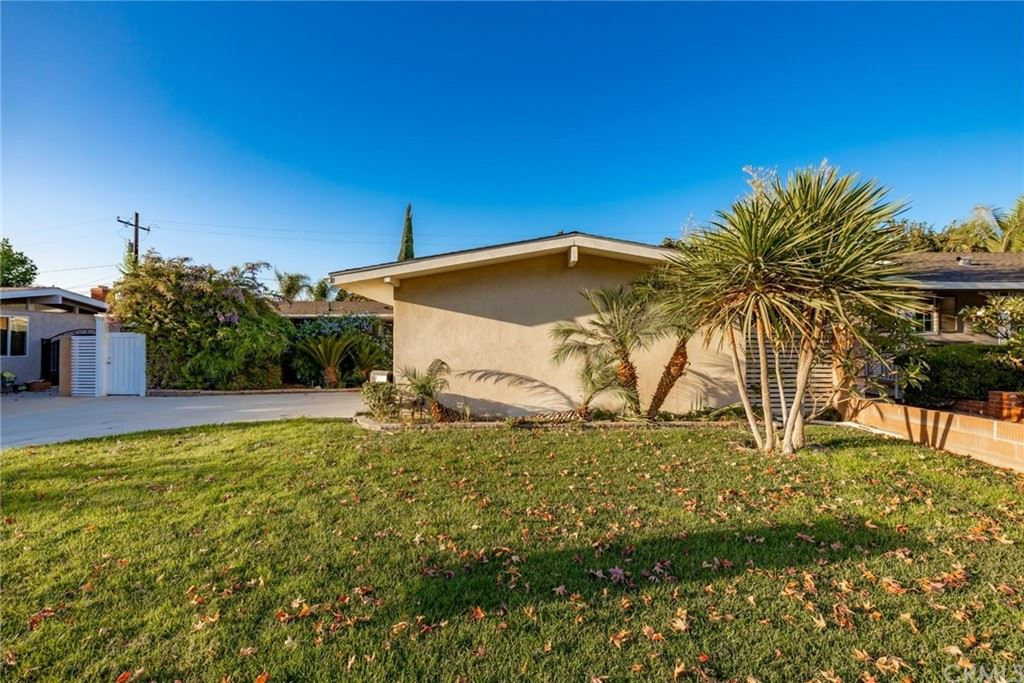 1313 W Castle Avenue, Anaheim, CA 92802 - MLS#: LG21220494