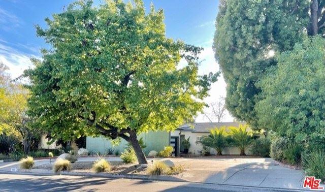 Photo of 4927 Bellaire Avenue, Valley Village, CA 91607 (MLS # 21707496)