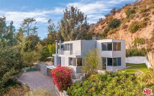 Photo of 10211 Chrysanthemum Lane, Los Angeles, CA 90077 (MLS # 21689498)