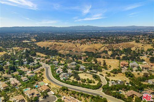 Photo of 18157 Knoll Hill, Granada Hills, CA 91344 (MLS # 21760498)
