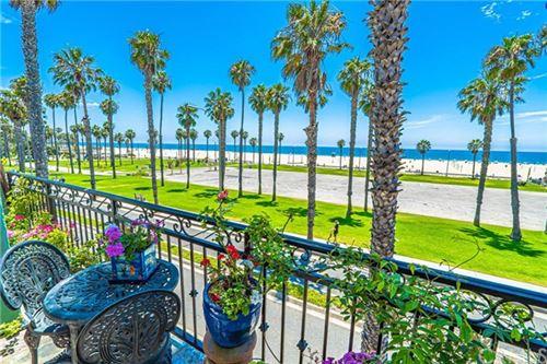 Photo of 118 Wadsworth Avenue #8, Santa Monica, CA 90405 (MLS # SB19180498)