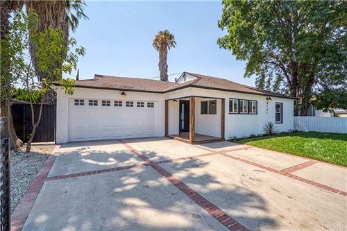 Photo of 8161 Encino Avenue, Northridge, CA 91325 (MLS # SR21135498)