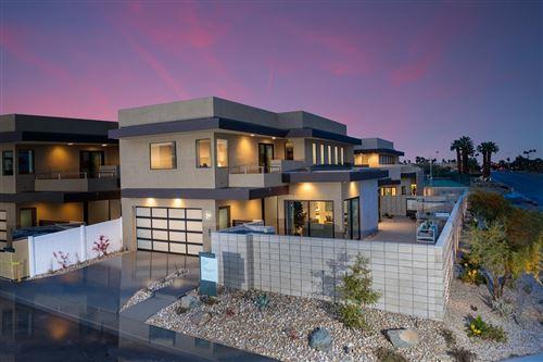 Photo of 200 Vista Terrace, Palm Springs, CA 92262 (MLS # 219060234DA)