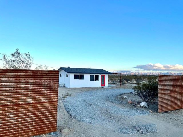 215 Kuna Avenue, Yucca Valley, CA 92284 - MLS#: 219058794PS