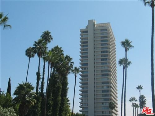 Photo of 9255 DOHENY Road #1401, West Hollywood, CA 90069 (MLS # 21789500)