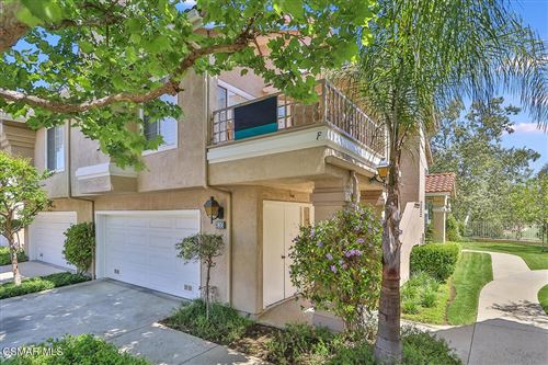 Photo of 630 Kingswood Lane #F, Simi Valley, CA 93065 (MLS # 221002500)