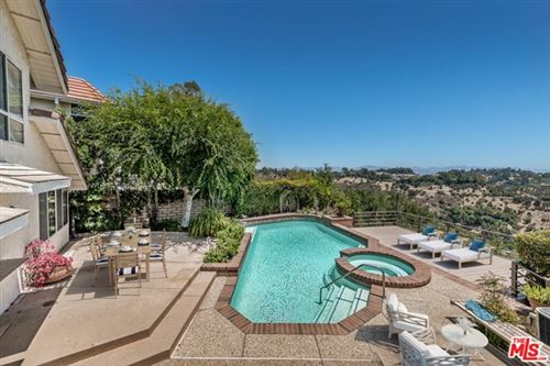 Photo of 2820 Angelo Drive, Los Angeles, CA 90077 (MLS # 20599502)
