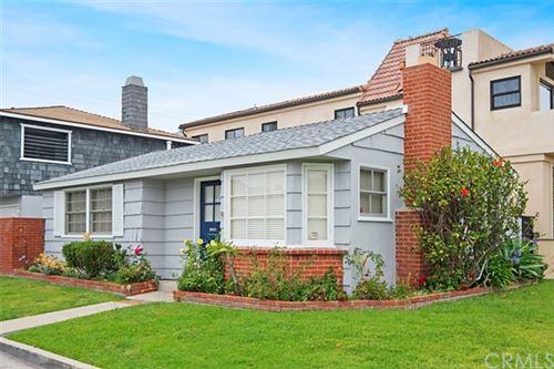 Photo of 701 Larkspur Avenue, Corona del Mar, CA 92625 (MLS # OC20193502)