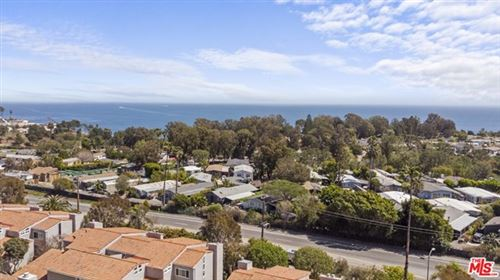 Photo of 28394 Rey De Copas Lane, Malibu, CA 90265 (MLS # 21718504)