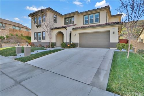 Photo of 25117 Cypress Bluff Drive, Canyon Country, CA 91387 (MLS # SR21029504)
