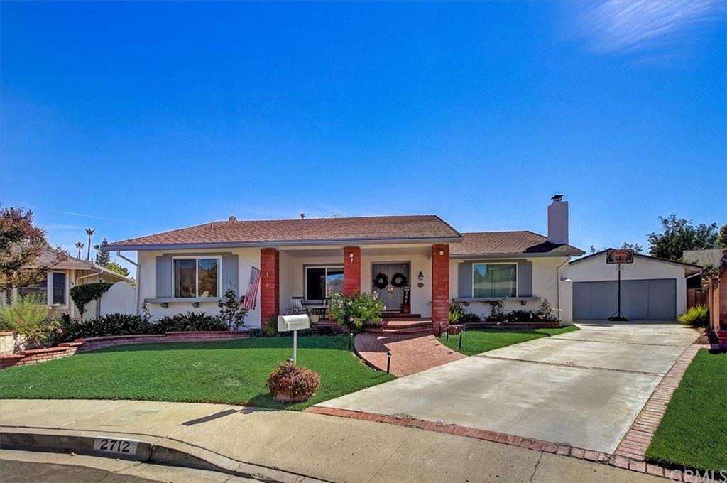 Photo of 2712 Granvia Place, Thousand Oaks, CA 91360 (MLS # BB21231505)