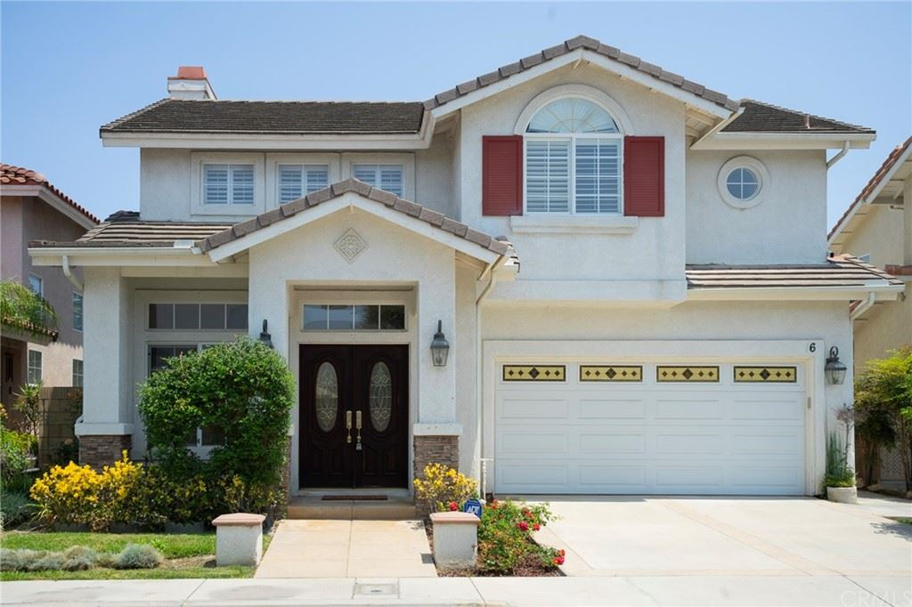 Photo of 16 Sunset Circle, Westminster, CA 92683 (MLS # PW21154505)
