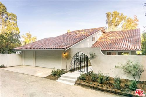 Photo of 10417 Ravenwood Court, Los Angeles, CA 90077 (MLS # 21676506)