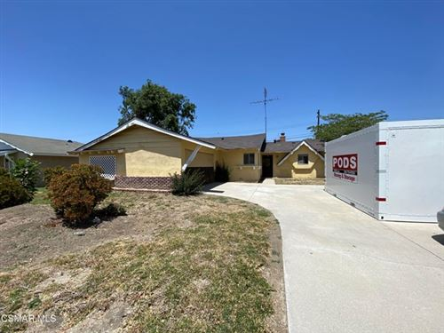 Photo of 293 E Bonita Drive, Simi Valley, CA 93065 (MLS # 221002506)