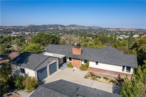 Photo of 750 Shannon Hill Drive, Paso Robles, CA 93446 (MLS # NS21212506)