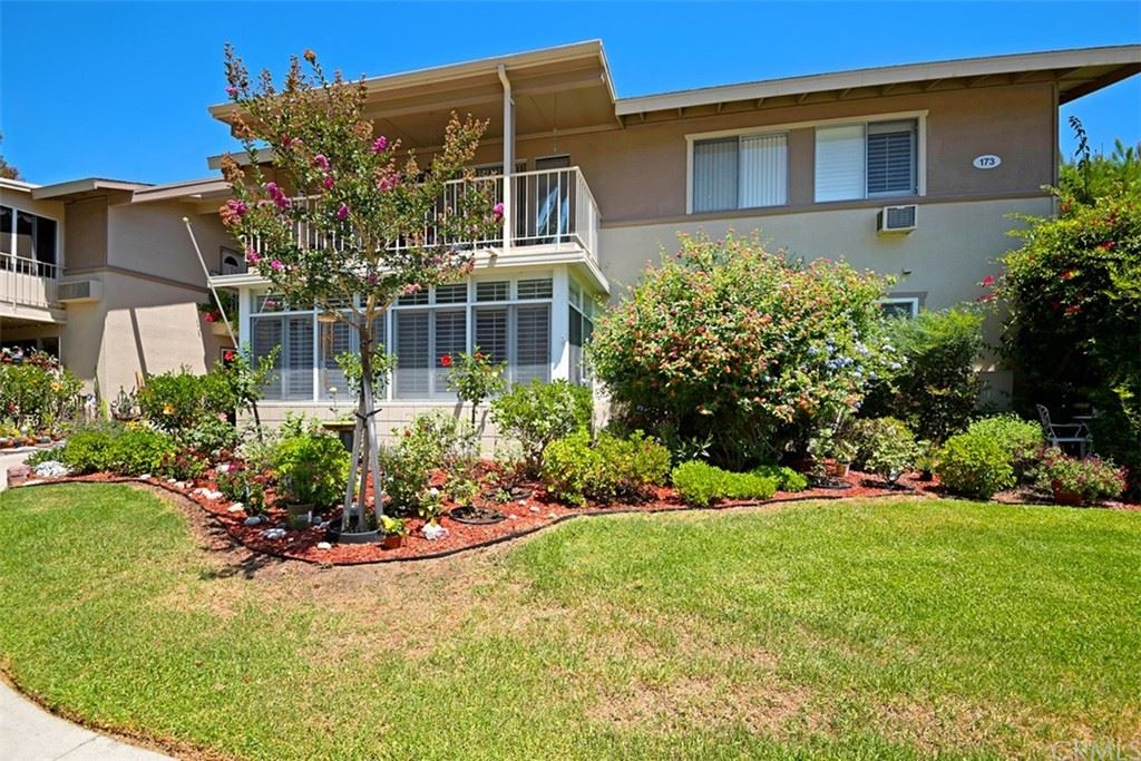Photo of 173 Avenida Majorca #D, Laguna Woods, CA 92637 (MLS # OC21097506)