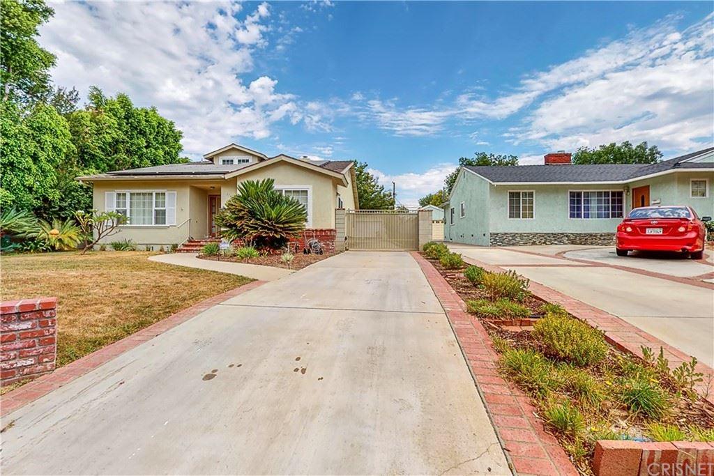 Photo of 17635 Tulsa Street, Granada Hills, CA 91344 (MLS # SR21161507)