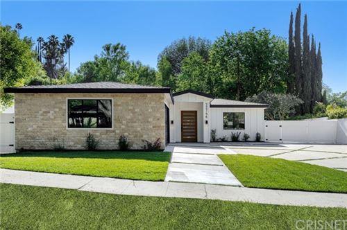 Photo of 22746 Cavalier Street, Woodland Hills, CA 91364 (MLS # SR21100508)