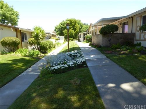 Photo of 26748 Whispering Leaves Drive #B, Newhall, CA 91321 (MLS # SR21113508)