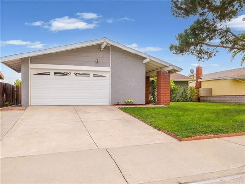 Photo of 1112 Roosevelt Drive, Lake Elsinore, CA 92530 (MLS # IG21233509)