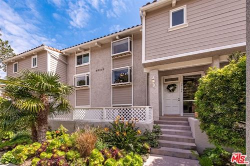 Photo of 28186 Rey De Copas Lane, Malibu, CA 90265 (MLS # 21709510)