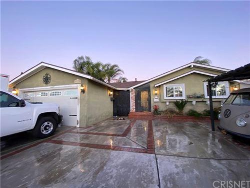 Photo of 9740 Saloma Avenue, North Hills, CA 91343 (MLS # SR21010510)