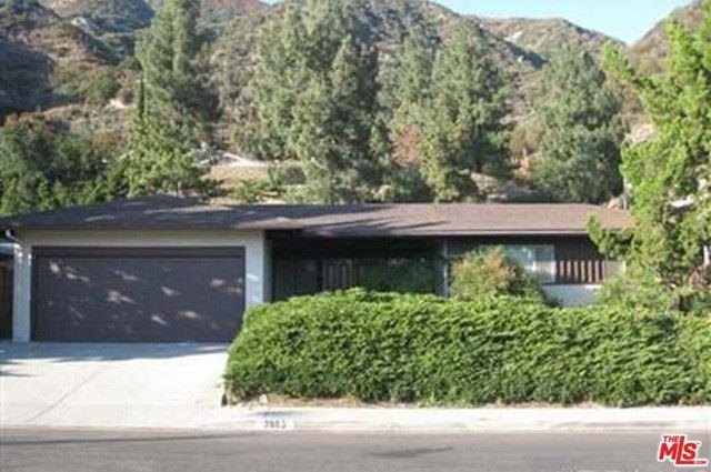 Photo of 2609 Pinelawn Drive, La Crescenta, CA 91214 (MLS # 21749510)