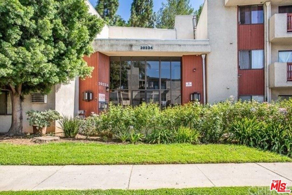 Photo for 20234 Cantara Street #240, Winnetka, CA 91306 (MLS # 21762510)
