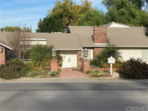 Photo of 19375 Wells Drive, Tarzana, CA 91356 (MLS # SR21007512)