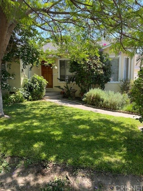 Photo of 6522 Bellaire Avenue, North Hollywood, CA 91606 (MLS # SR21152512)