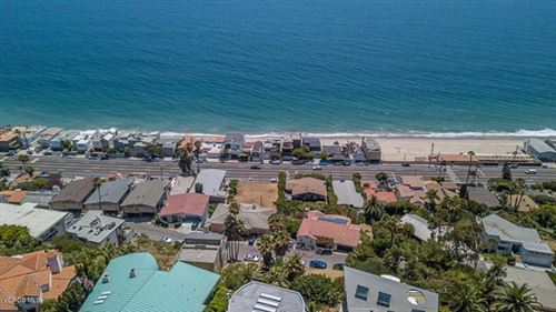 Photo of Rambla Vista, Malibu, CA 90265 (MLS # 220007513)