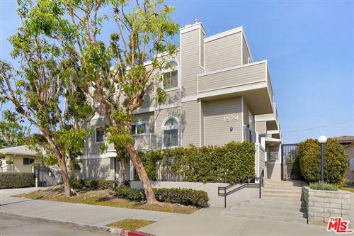 Photo of 1924 S Barrington Avenue #5, Los Angeles, CA 90025 (MLS # 21791514)