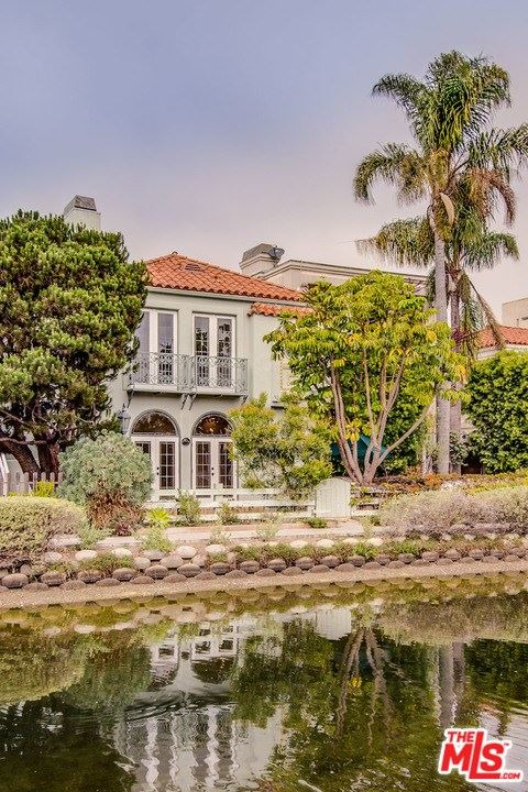 Photo of 409 HOWLAND CANAL, Venice, CA 90291 (MLS # 20580514)