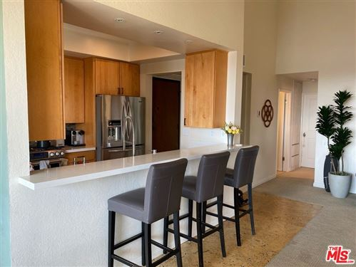 Photo of 15515 W Sunset Boulevard #313, Pacific Palisades, CA 90272 (MLS # 21765516)