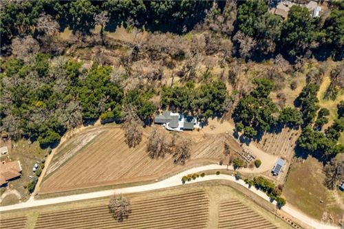 Photo of 1761 Paradise Meadow Lane, Templeton, CA 93465 (MLS # NS21096516)