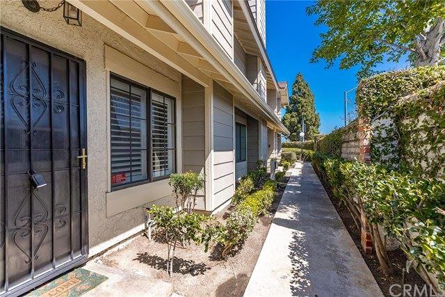 Photo for 1700 W Cerritos Avenue #312, Anaheim, CA 92804 (MLS # IG21092517)