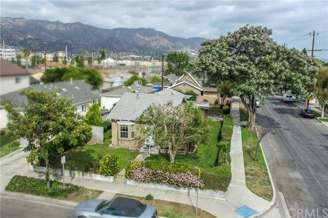 Photo of 1802 N Brighton Street, Burbank, CA 91506 (MLS # BB21079518)
