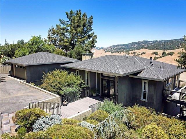 17564 Holiday Drive, Morgan Hill, CA 95037 - MLS#: ML81850518