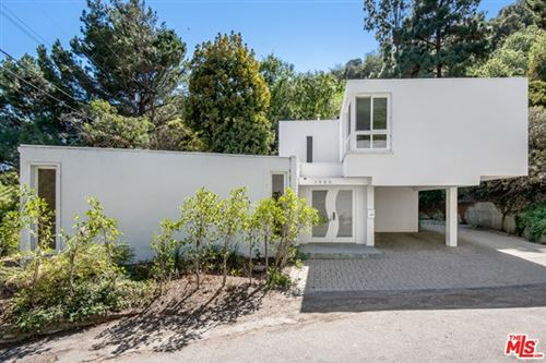 Photo of 1909 N Beverly Drive, Beverly Hills, CA 90210 (MLS # 21713520)