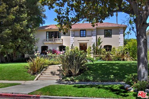 Photo of 277 S Irving Boulevard, Los Angeles, CA 90004 (MLS # 21748520)