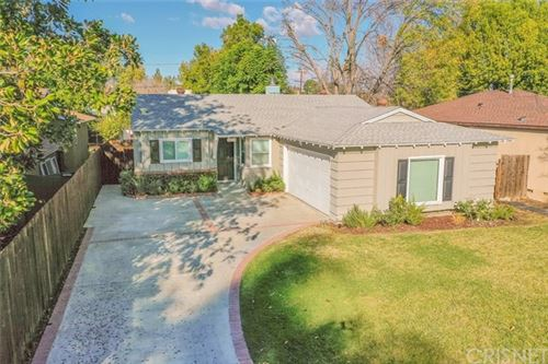 Photo of 22609 Mariano Street, Woodland Hills, CA 91367 (MLS # SR21001520)