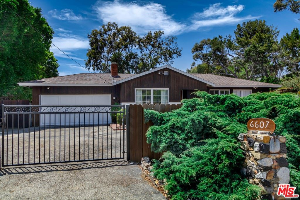 Photo for 6607 WANDERMERE Road, Malibu, CA 90265 (MLS # 19486520)