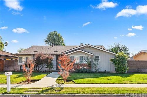 Photo of 23642 Oxnard Street, Woodland Hills, CA 91367 (MLS # SR20246521)